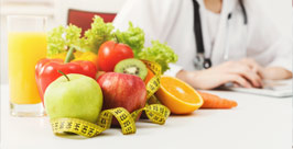 nutritionist-desk-with-fruit